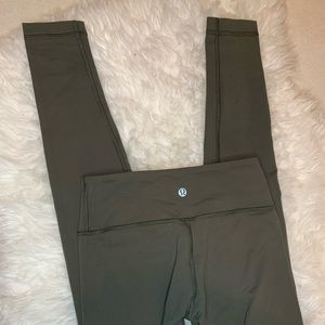 Lululemon mid rise WUNDER UNDER